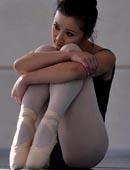 跳舞室白色丝袜芭蕾舞清纯女郎