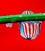 珠光里的国旗玲珑剔透