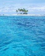 海天交接的一抹蓝色仿佛世界的尽头