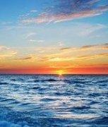 海边日落体验其有容乃大之风