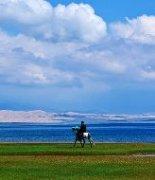 青海湖清新神圣的风景图片