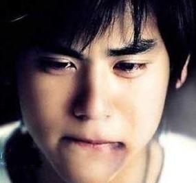 因�槟阕�男人第一次哭了