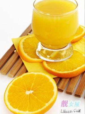 吃橙色水果和蔬菜