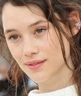 《加勒比海盗4》女主角 美貌和妆容都不容小觑