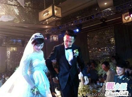 张杰和谢娜结婚照片3