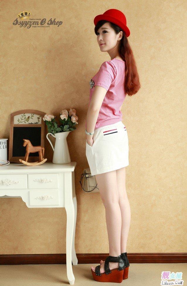 小个子时尚穿衣搭配_大学女生最爱的穿衣打扮效果(4)