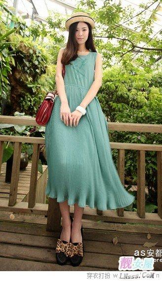 长裙要搭配什么样的高跟鞋